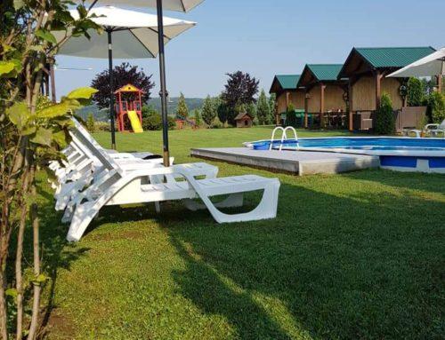 Ležaljke oko bazena